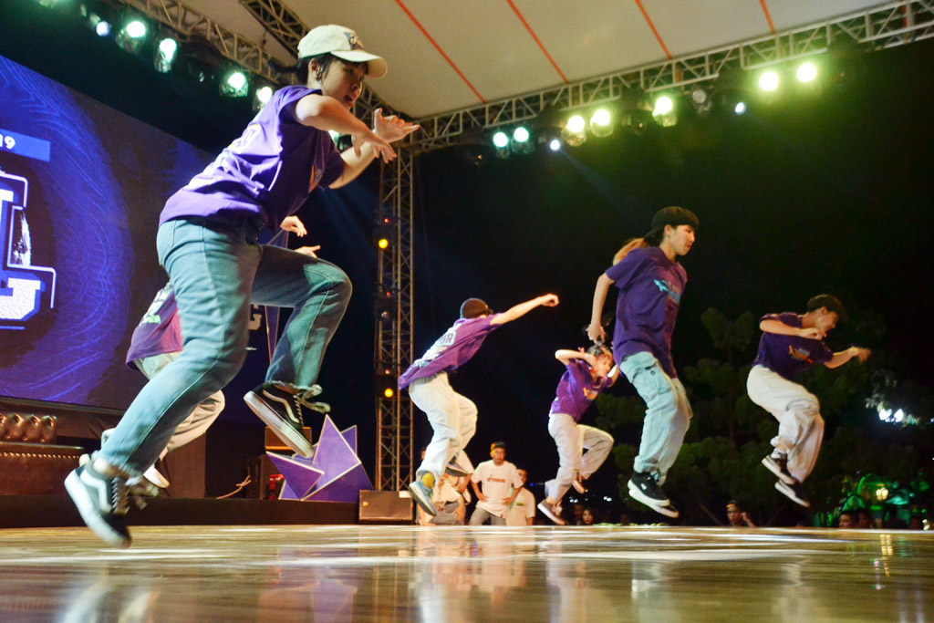 The vibrant hip-hop dances on the opening night of the festival