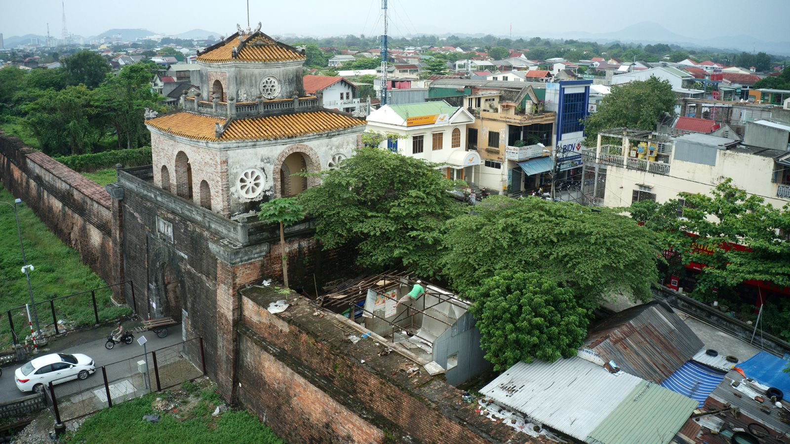 Relocation of households in Hue Citadel Zone 1: History and Sentiment -  part 1: Returning land to the heritage