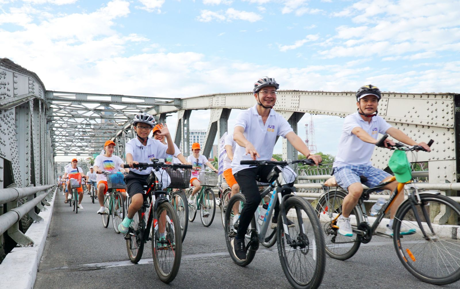 Family members cycling together is also one of the goals that the program aims at
