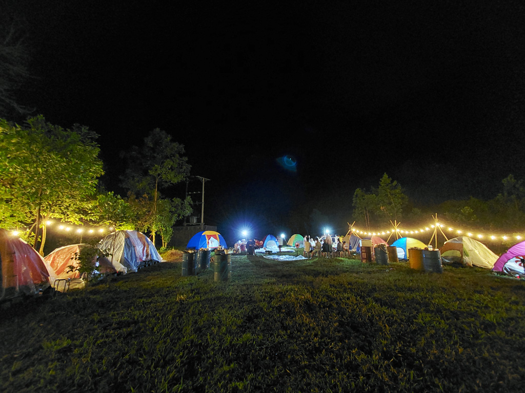 Yes Hue Eco has deployed new service of staying with tents, so it attracts more visitors to enjoy