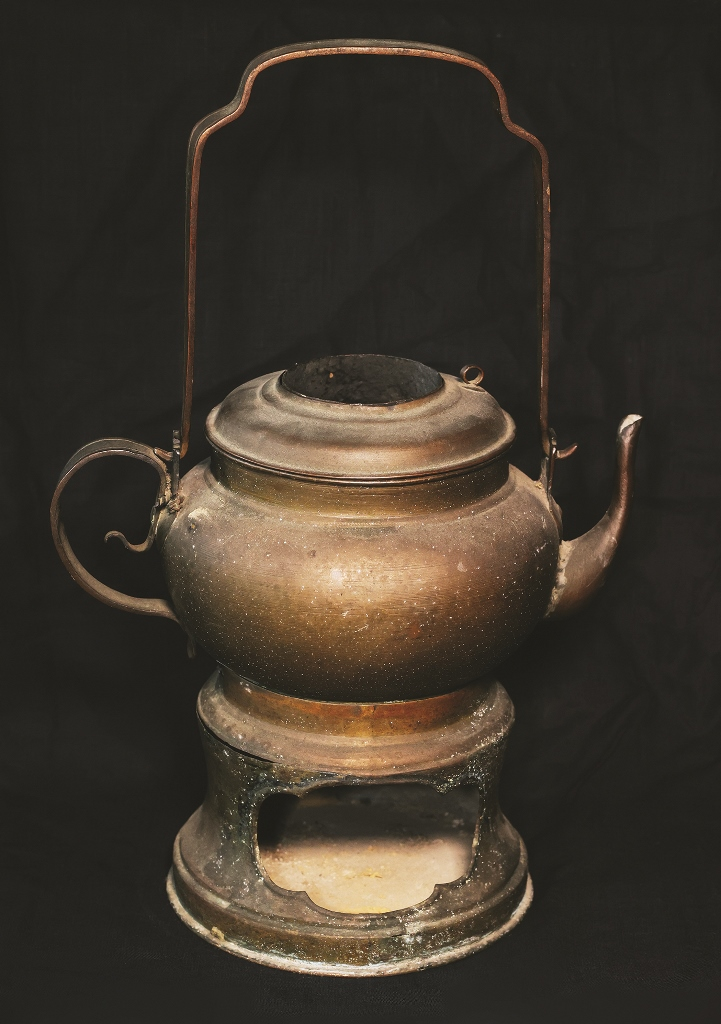 Portable tea stove, the instrument for warming water
