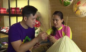 Experiencing traditional crafts at Vong Luc Bo