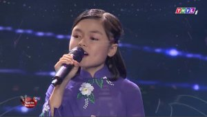 Quynh Nhi – a charming voice kid with Hue songs
