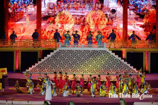 Hue Festival 2018 opens with sparkling cultural colors