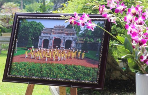"""""""Hue Imperial Palace, ao dai and flowers"""""""