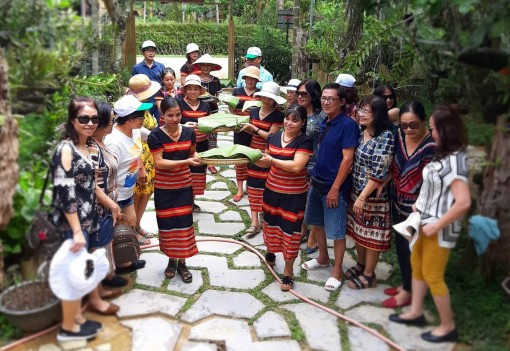 A Nôr is selected as typical Vietnam's community-based tourism village