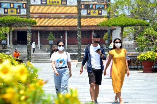 Hue: Many tourist destinations attract visitors on the Independence Day