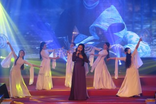 A music night towards the Central region raises more than VND 2.2 billion