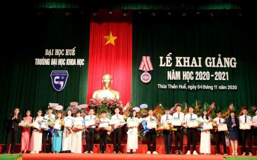 University of Sciences, Hue University: More than 760 new students enter new academic year