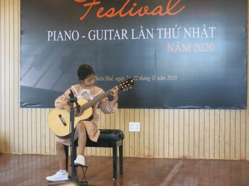 160 contestants attending the first Piano - Guitar Festival