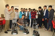 More than 60 national excellent students of Hue experienced robot shows