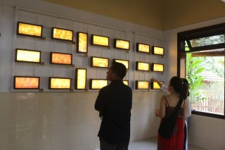 """""""Truc chi"""" exhibition at Tinh Truc Gia"""