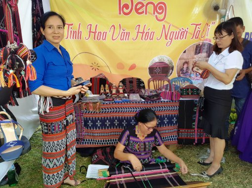 Honouring traditional crafts of Hue and localities in the country