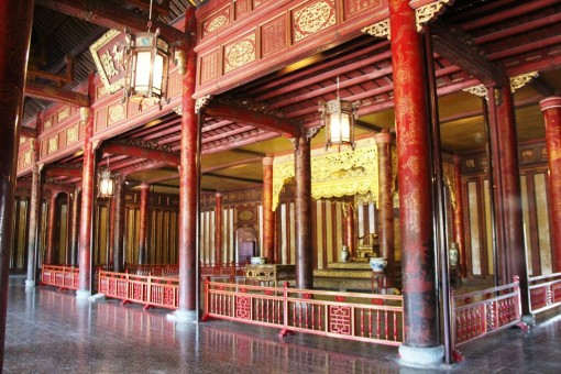 Agreement upon the conservation and restoration project of Thai Hoa Palace