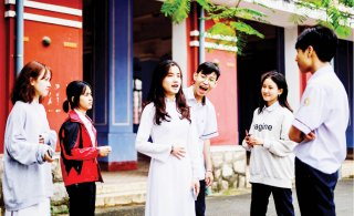 Preserving Hue Singing among young people
