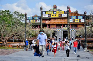 Hue tourism attracts visitors during April 30th - May 1st holiday
