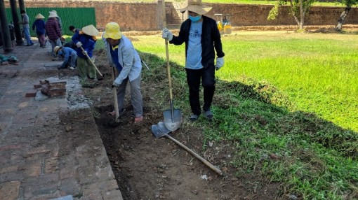 Original foundation of the two Holy Cannon houses revealed