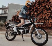 """When girls passionate about """"Classic Bikes"""""""